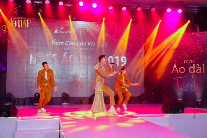 S.T Son Thach khuay dong le trao giai cuoc thi anh Miss Ao dai 2019 hinh anh 2