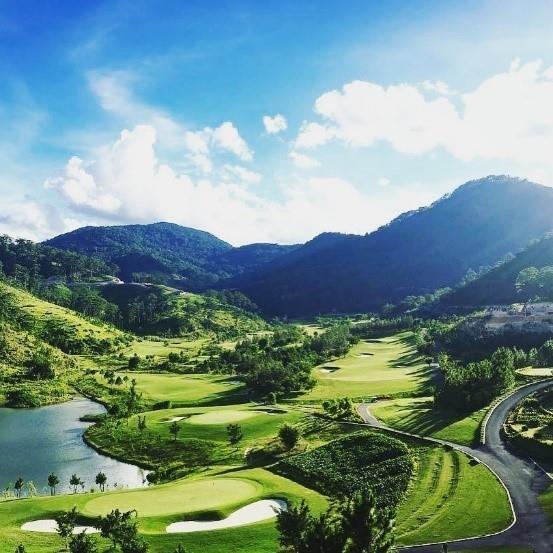 Cung Hoa hau Tieu Vy du giai golf Sam Tuyen Lam Championship 2019 hinh anh 2