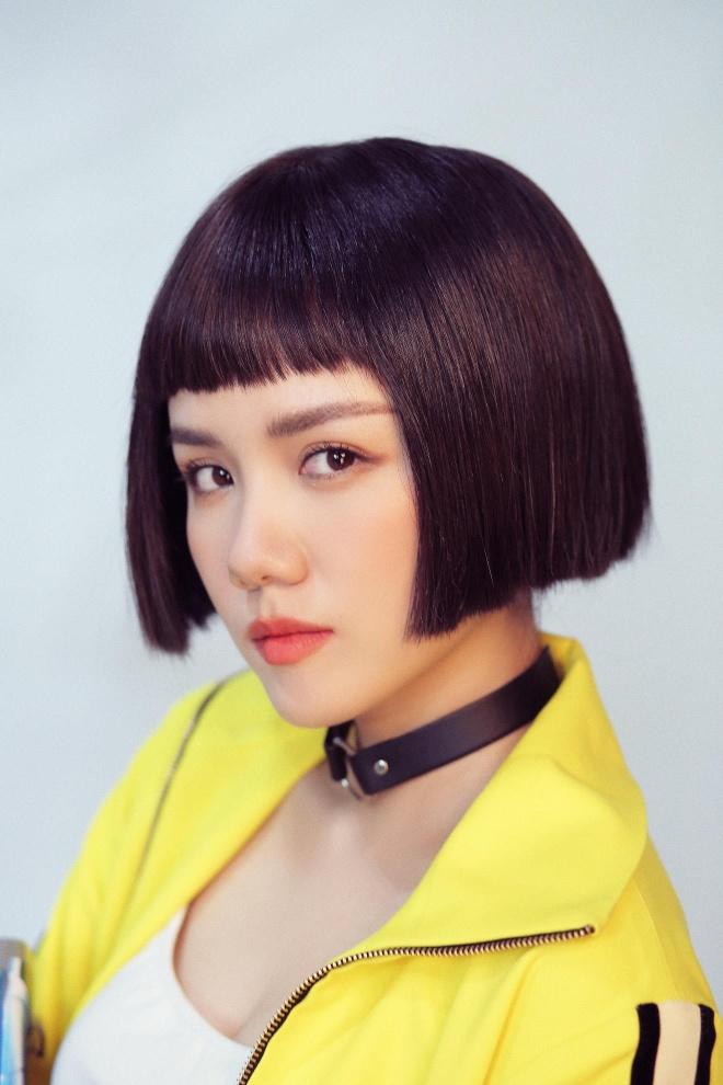 'So close' - MV danh dau su thay doi phong cach cua Phuong Ly va Binz hinh anh 4