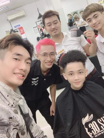Loat YouTuber nhanh chong 'bat trend' toc moi cua Hong Duy, Van Thanh hinh anh 7