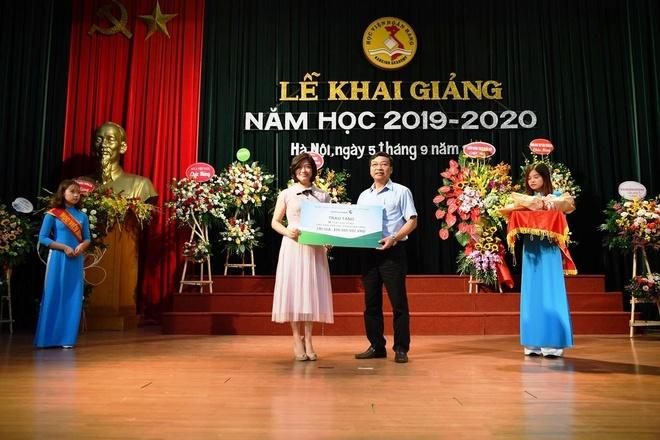 Vietcombank tang hoc bong 200 trieu cho SV Hoc vien Ngan hang hinh anh 1