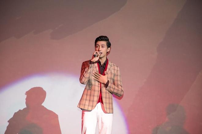 Huynh Gia Dat to chuc minishow dau tien tai TP.HCM hinh anh 3