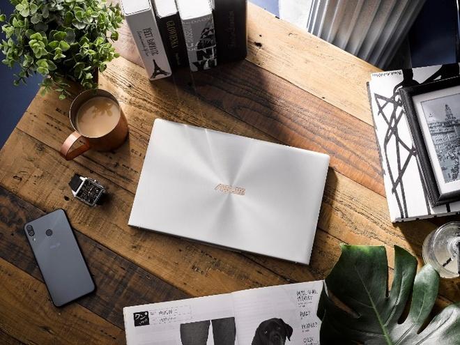 Zenbook UM433 mới - mỏng nhẹ, cấu hình dùng chip AMD, giá từ 21 triệu