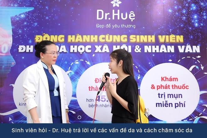 Dr. Hue mang co hoi tri mun mien phi cho sinh vien DH KHXH&NV hinh anh 3