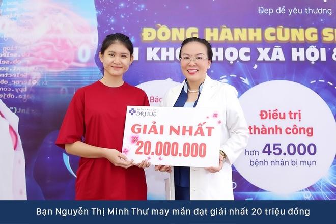 Dr. Hue mang co hoi tri mun mien phi cho sinh vien DH KHXH&NV hinh anh 5