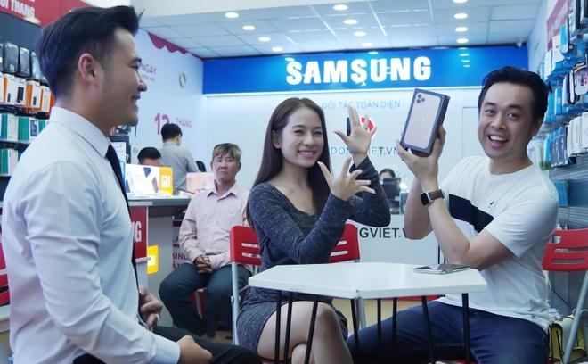 Sara Luu choi lon, tang Duong Khac Linh iPhone 11 Pro Max 79 trieu hinh anh 2
