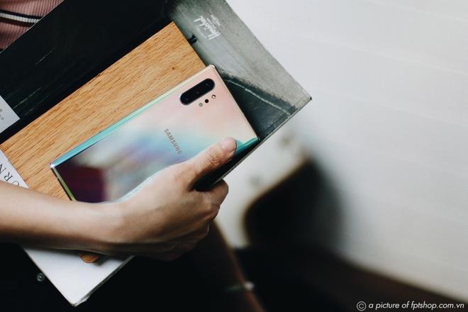 Ruoc Galaxy Note10, tra gop 0% trong 12 thang tai FPT Shop hinh anh 1
