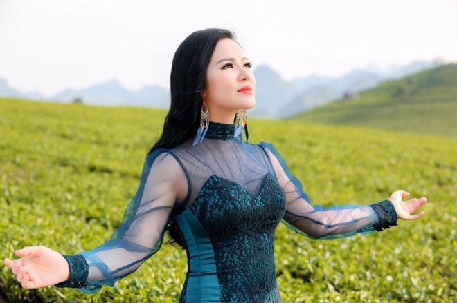 Ca si Pham Thuy Dung: 'Chi lam concert khi du chin va ban linh' hinh anh 1