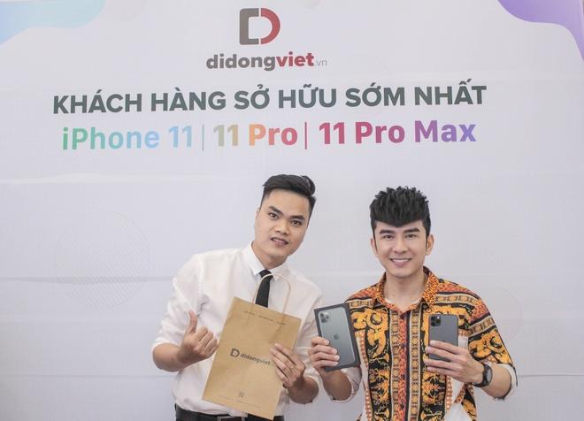 Anh Bo Dan Truong den Di Dong Viet tau iPhone 11 Pro Max hinh anh 1