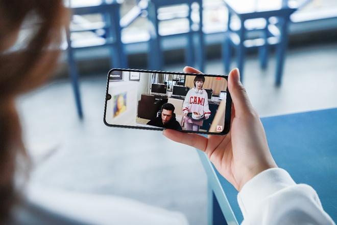 Vi sao smartphone co man hinh Super AMOLED dang tien? hinh anh 1
