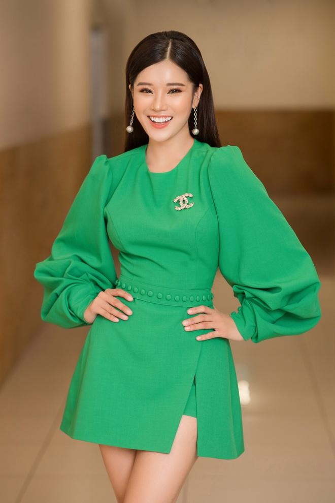 Giai ma nu cuoi 'khuynh dao' long nguoi cua Hoang Yen Chibi hinh anh 1