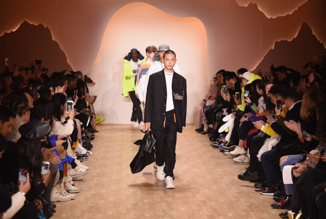 Li-Ning dem BST tung dien tai Paris va New York Fashion Week ve VN hinh anh 7