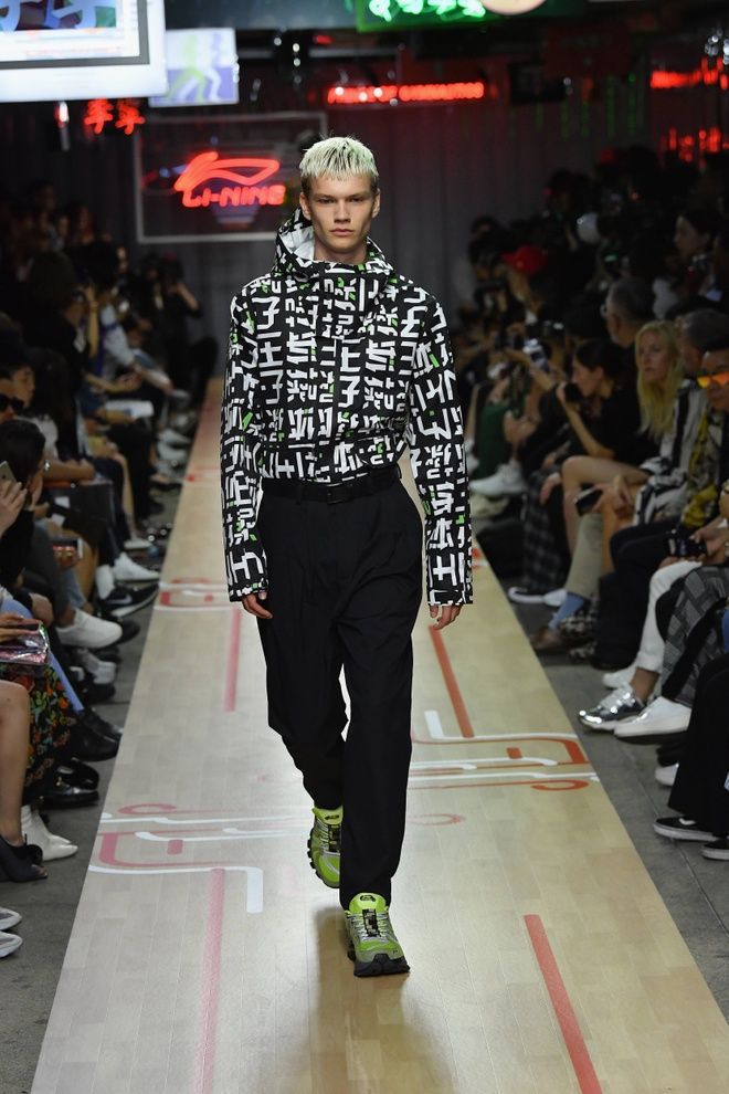 Li-Ning dem BST tung dien tai Paris va New York Fashion Week ve VN hinh anh 5
