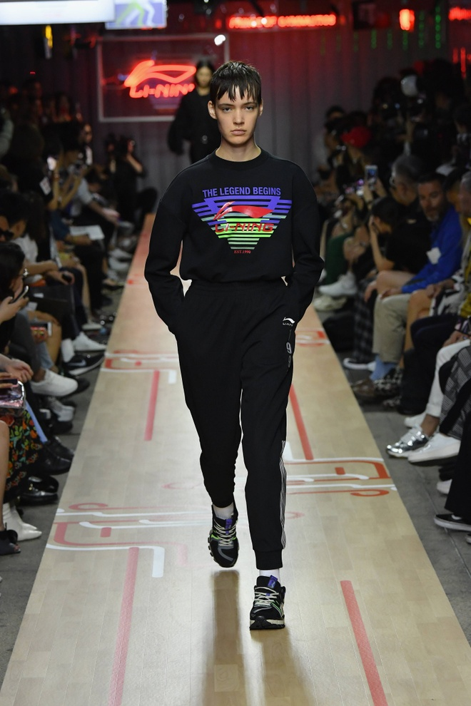 Li-Ning dem BST tung dien tai Paris va New York Fashion Week ve VN hinh anh 4