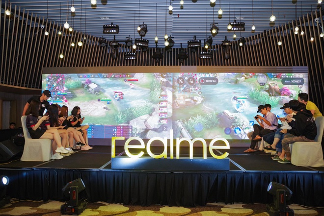 Fan Viet trai nghiem som Realme 5 Pro 4 camera truoc ngay ra mat hinh anh 4