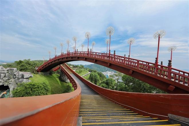 Dat 10,5 trieu luot khach sau 8 thang, Quang Ninh but pha nho du lich hinh anh 2  Đạt 10,5 triệu lượt khách sau 8 tháng, Quảng Ninh bứt phá nhờ du lịch quang ninh 2 1