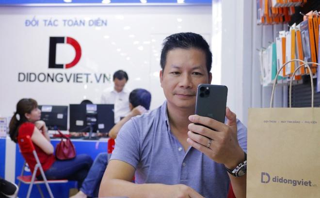 Cach Shark Hung va sao Viet chon iPhone 11 Pro Max hinh anh 1