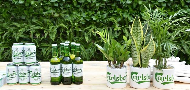 Carlsberg su dung cong nghe nap chai moi giu vi ngon cho bia hinh anh 3