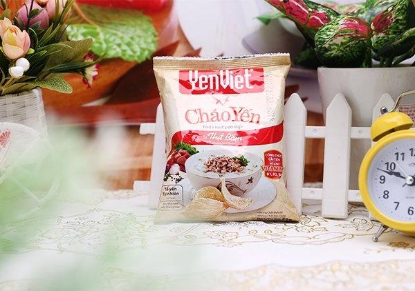 Dien vien Thuy Nga muon mang chao Yen Viet lam qua cho ban be o My hinh anh 2