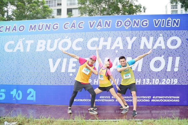 Gan 6.000 VDV tham gia giai Revive Marathon xuyen Viet chang TP.HCM hinh anh 2