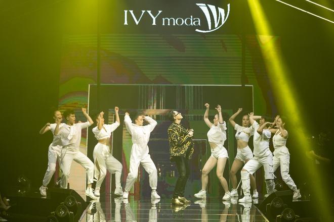 Son Tung M-TP: 'Ivy moda la tuyen ngon thoi trang cua toi' hinh anh 2