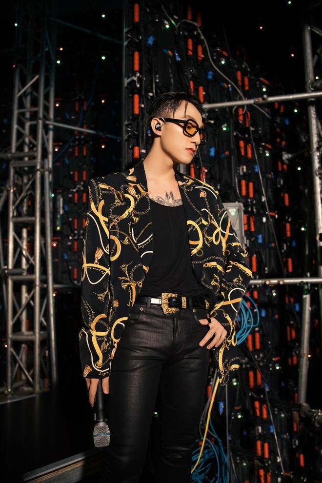 Son Tung M-TP: 'Ivy moda la tuyen ngon thoi trang cua toi' hinh anh 4