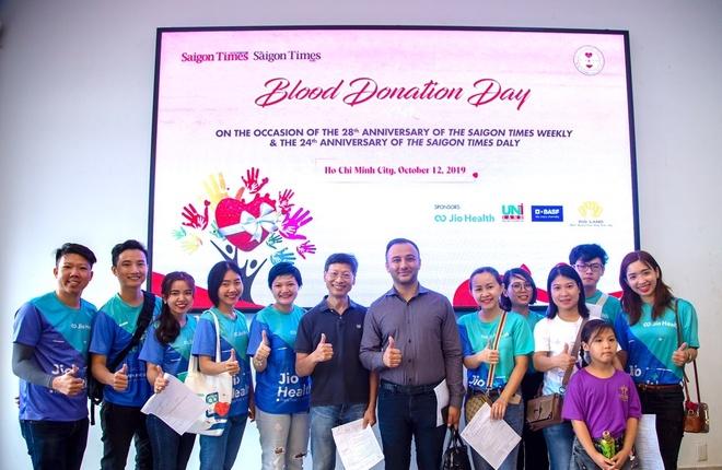 Nhân viên Jio Health tham gia hiến máu nhân đạo