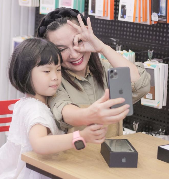 Ca si Phi Nhung, Cam Ly goi y mua iPhone 11 Pro Max 2 sim nano hinh anh 3