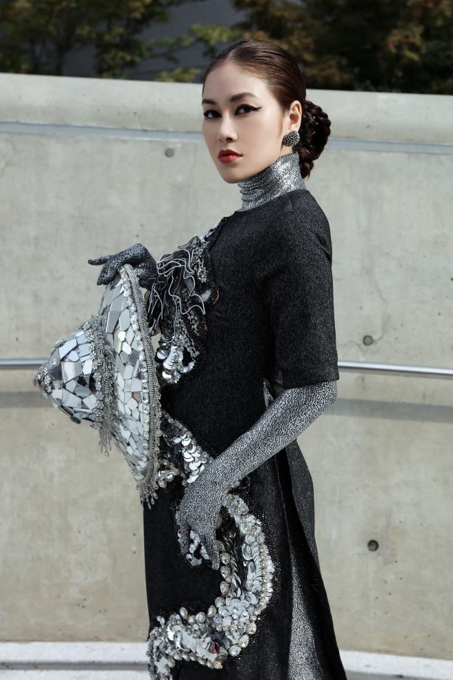 Tuyet Nga doi non, dien ao dai o Seoul Fashion Week 2019 hinh anh 2