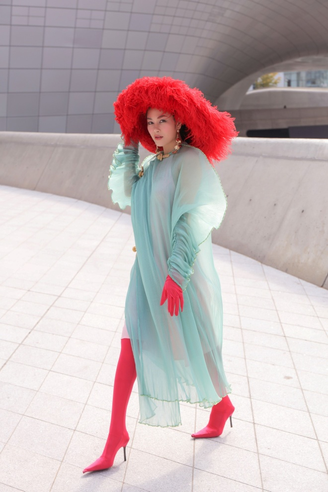 Tuyet Nga doi non, dien ao dai o Seoul Fashion Week 2019 hinh anh 6