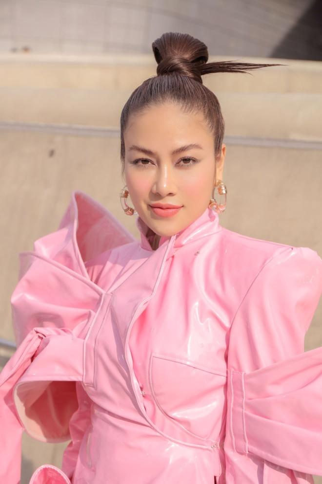 Tuyet Nga doi non, dien ao dai o Seoul Fashion Week 2019 hinh anh 9