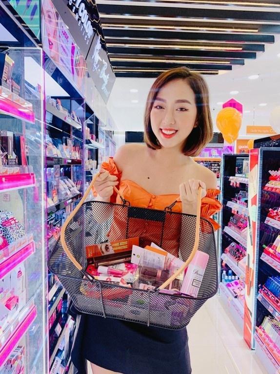 Loat beauty blogger va hot teen mung sinh nhat Guardian 8 tuoi hinh anh 2