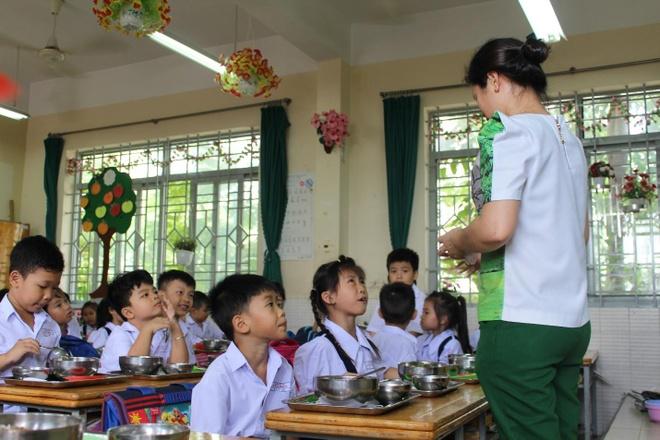 Chuan hoa thuc don ban tru cho hoc sinh tieu hoc tai Tuyen Quang hinh anh 1