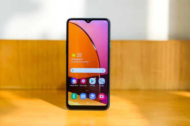 Samsung Galaxy A gia re anh 1