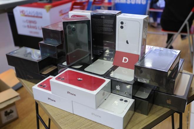 iPhone 11, 11 Pro, 11 Pro Max ma VN/A giam 3 trieu tai Di Dong Viet hinh anh 1