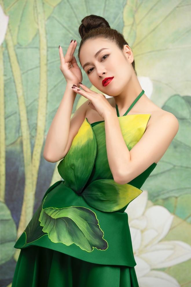 Tuyet Nga tung MV'Doa sen Viet' mang am huong dan gian duong dai hinh anh 4