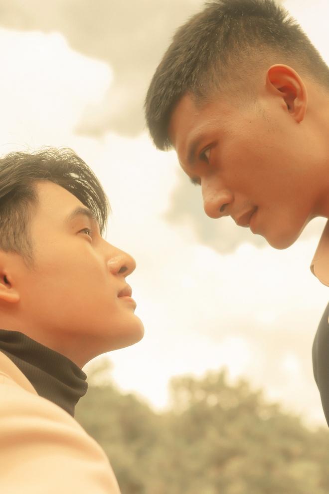 Nham Phuong Nam tung anh hau ky MV dau tay, bat mi du an moi hinh anh 2