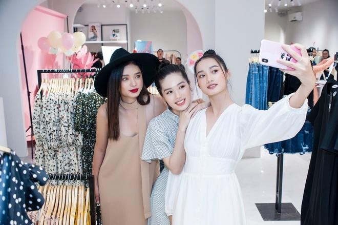 Quynh Anh tro tai lam stylist cho Tram Anh, Nhu My tai Maybi hinh anh 1