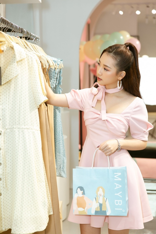 Quynh Anh tro tai lam stylist cho Tram Anh, Nhu My tai Maybi hinh anh 8