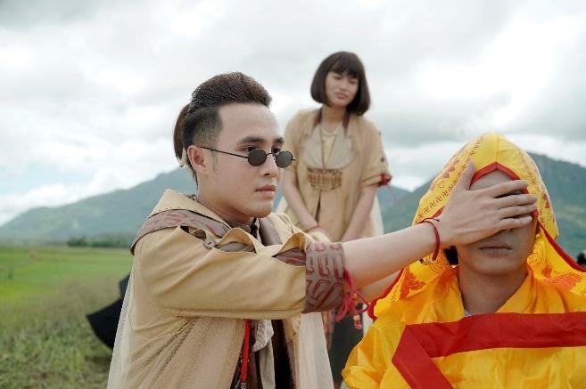 'Phap su mu' - phim tam linh truyen thong diep ve luat nhan qua hinh anh 1
