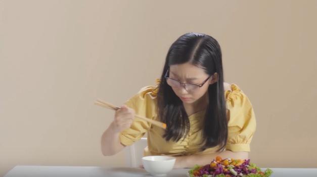 Video - Trai nghiem thu thach thi luc voi '4 chiec kinh dac biet' hinh anh