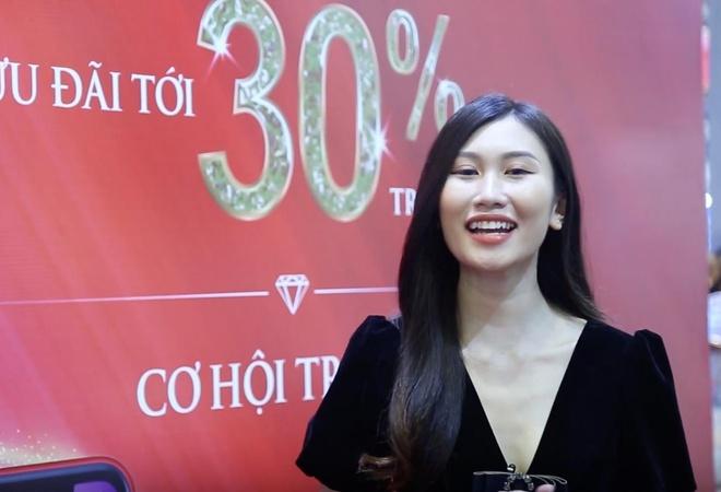 Vi sao nen mua nu trang cao cap tai Hoi cho Quoc te Trang suc VN? hinh anh