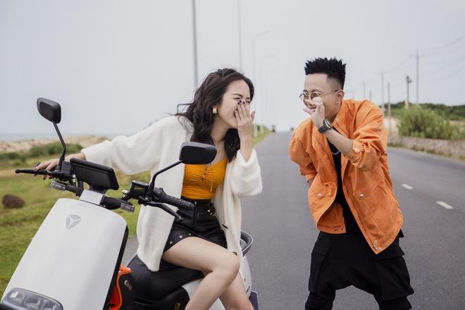 Chau Bui, Phuong Ly va dan sao xuat hien trong trailer ra mat xe Yadea hinh anh 1