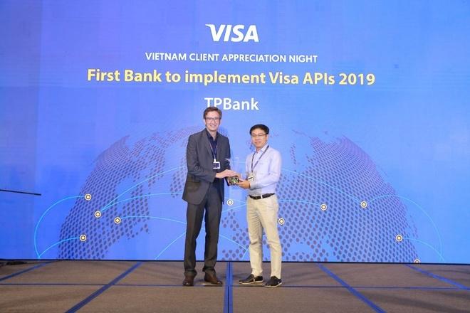 TPBank nhan giai ngan hang dau tien lien ket dong bo voi Visa Platform hinh anh 1