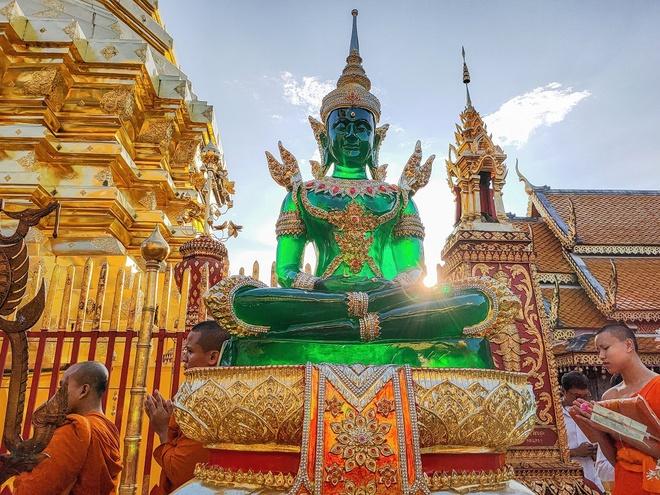 Video - Kham pha ve dep co kinh cua Chiang Mai qua ong kinh Oppo Reno2 hinh anh