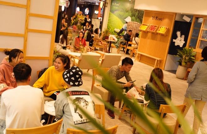 Tra hoa qua YiFang khai truong tai AEON Mall Ha Dong hinh anh 3