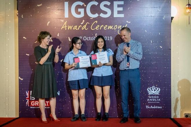 Hoc sinh BIS Ha Noi dau thu khoa ky thi IGCSE cua Cambridge hinh anh 2