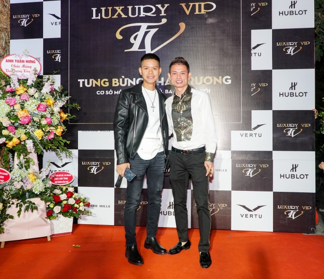 Sao Viet chuc mung Luxury VIP khai truong hinh anh 4