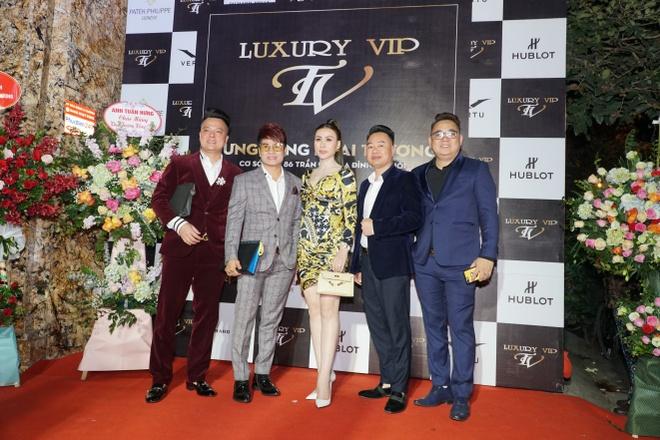 Sao Viet chuc mung Luxury VIP khai truong hinh anh 5