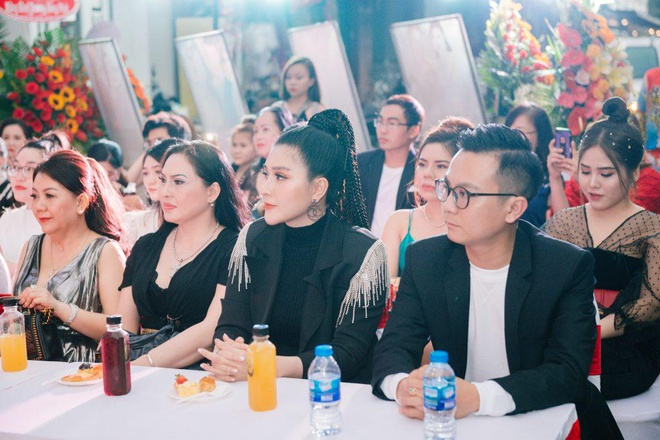 Ung Hoang Phuc du khai truong cua hang thoi trang Seven Luxury hinh anh 5